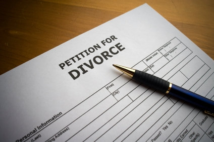 how to decide to divorce or stay married